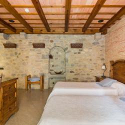 dos-camas-habitacion-historic-girona-02