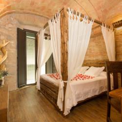 habitacion-romantica-hotel-historic-girona-05