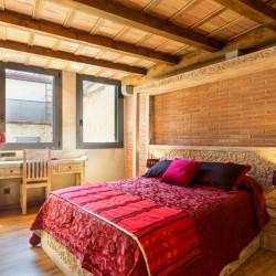 red-room-hotel-historic-girona-habitacion-singular-romantica-3